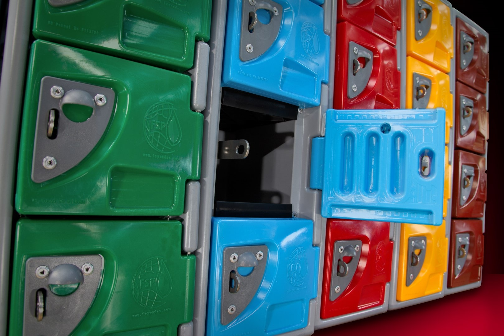 f-series-locker-side-group-1-door-open-1080px-min